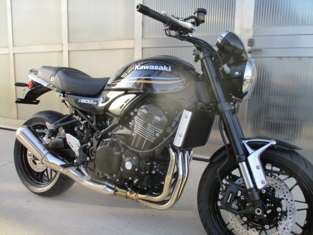Kawasaki Z900 RS Nero Km 0